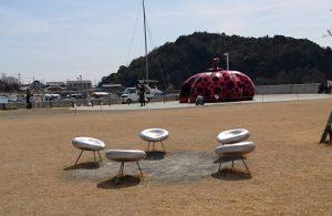 赤かぼちゃ側の椅子
