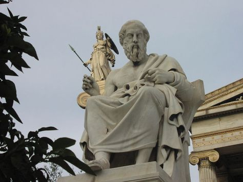 Platon-statue i Athen. Foto: Sébastien Bertrand (CC BY 2.0)