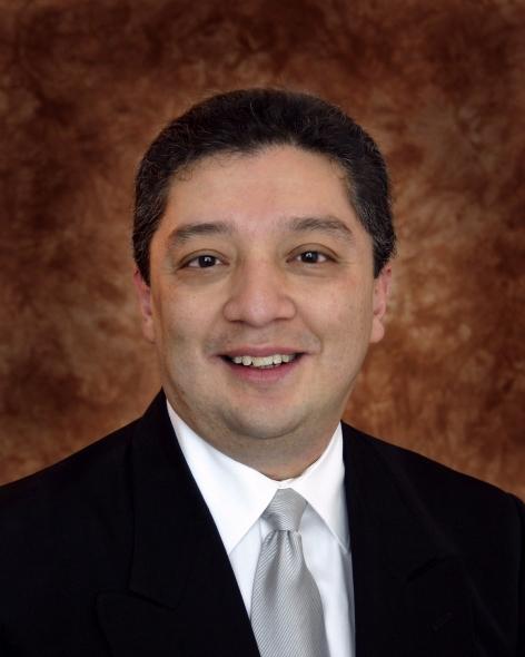 Manuel Arreola PhD completed the universitys 200809 Next Level Leadership program  UF