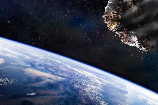 Destruir meteorito que chocará con la tierra