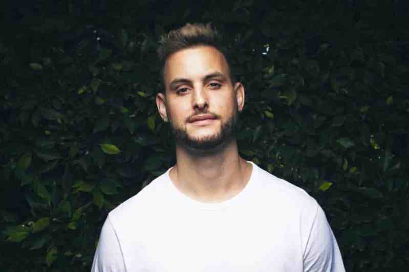 MAKJ & JYYE Close Out the Year with 'Promises'