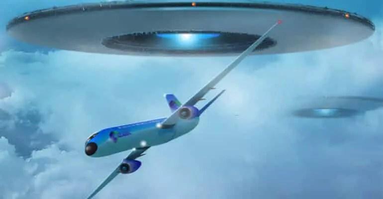 UFO Chasing Jumbo Jet over Alaska
