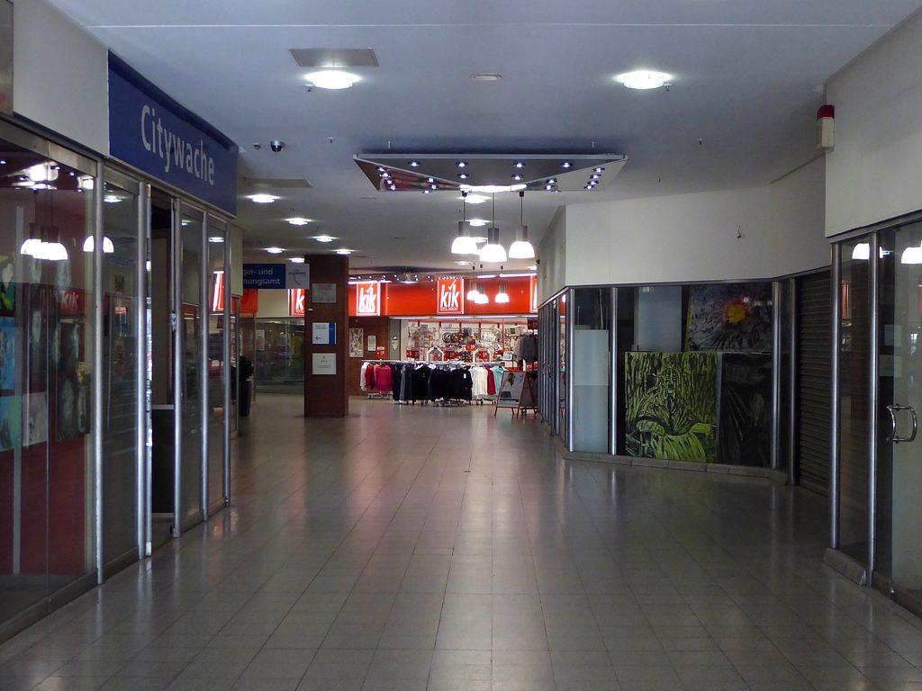 Einkaufscentrum Averdunk Duisburg  Ufoport Glufenteich
