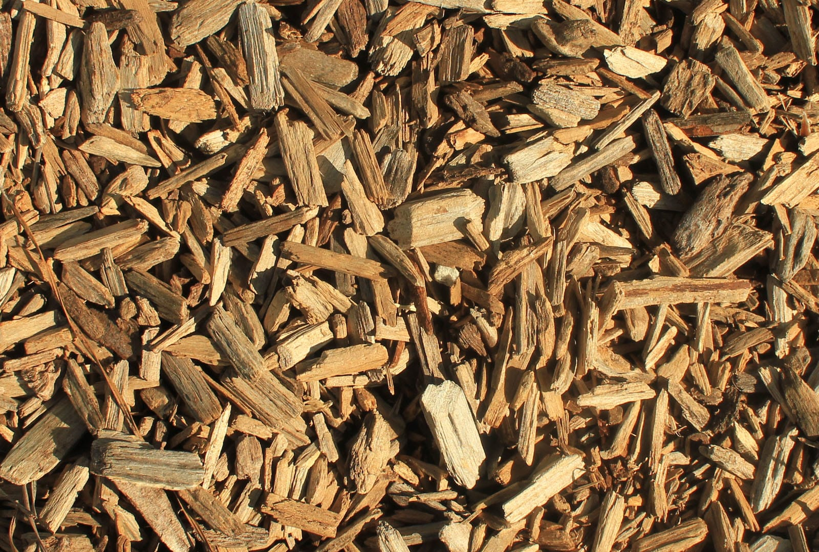 Wood Chip Uses ~ Using wood chips