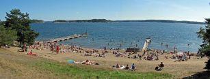 1000px-Årsta_havsbad_badplats