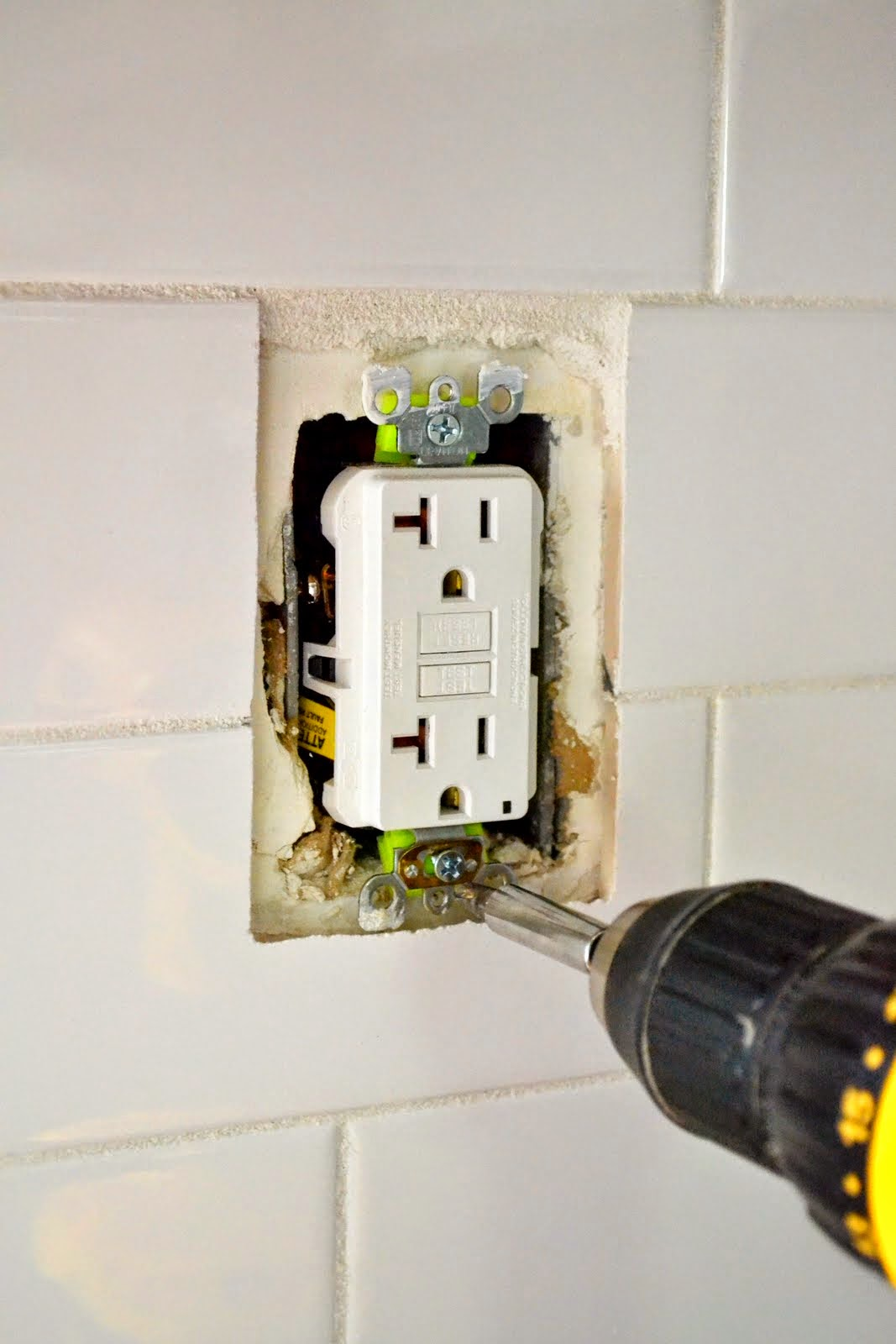 Outlet Cover Not Flush With Wall : outlet, cover, flush, Extend, Outlet, After, Tiling, Loose