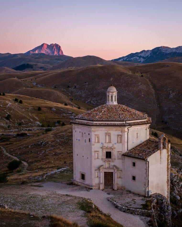 Chiesa di S. Maria della Pietà, Calascio, Abruzzo