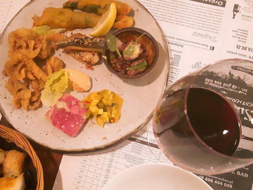 Superiore Wine Bar Piękna 28/34