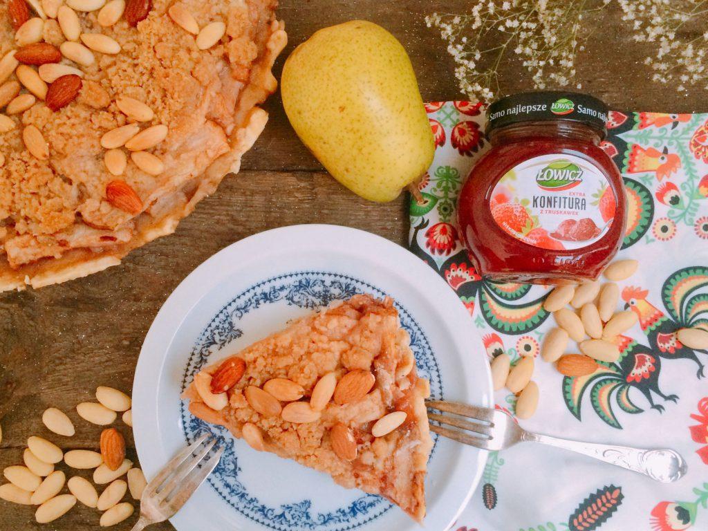 Tarta z gruszek i truskawek