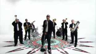 black-milk-give-the-drummer-sum-video