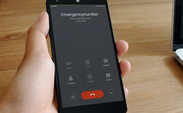 My phone cannot make or receive calls: Problem solved