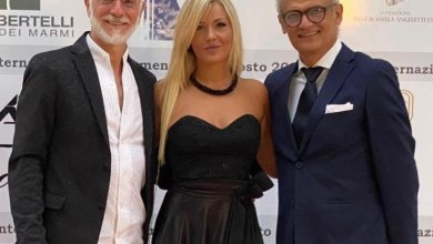 Photo of La produttrice partenopea Maria Guerriero e il regista Antonio Centomani insigniti con il Premio Internazionale Apoxiomeno 2020