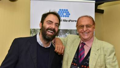 Testimonial della raccolta fondi, Arbore_Marcorè-testimonial-Lega-del-Filo-dOro