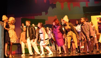 cast-and-crew-of-hairspray-4