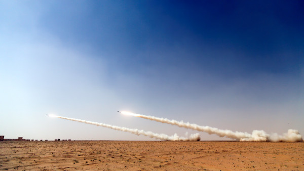 Best Iphone X Wallpaper Reddit Military Rockets On The Sky Desktop 4k Photography