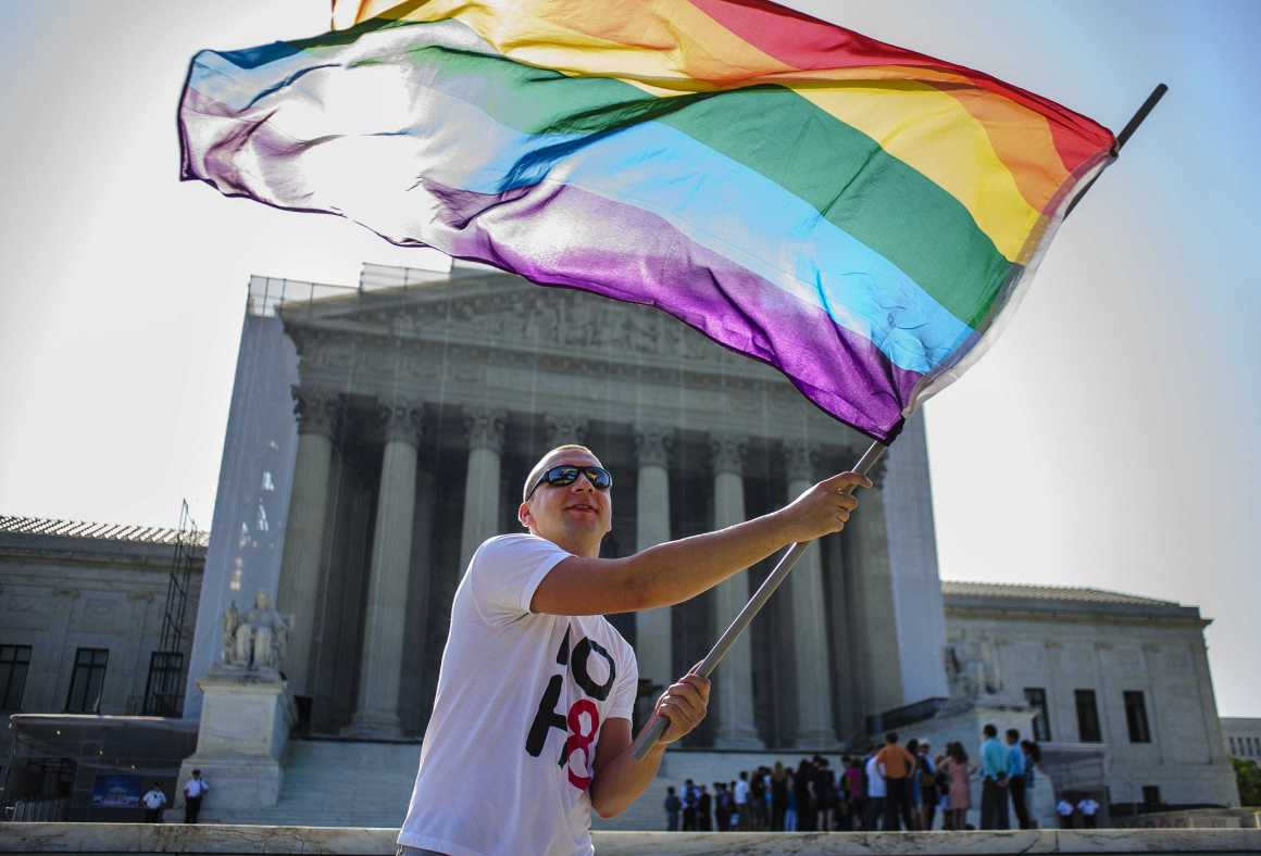 Hawaii and Illinois legalize same sex marriage proceeding Court ruling