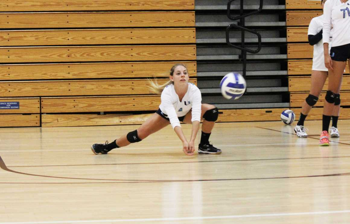Girls Volleyball takes another victory, defeats Laguna Hills 3-0