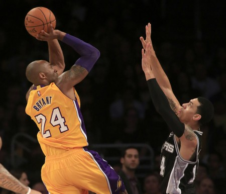 Can Kobe Bryant get the Lakers back on track?