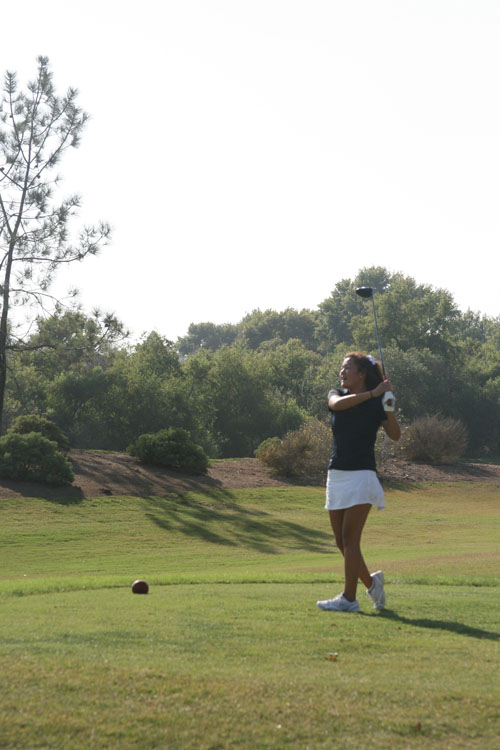 Captain Celine Nie (Sr.) tees off on the 4th hole. (S.Sudame)