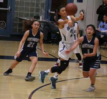 Girls Basketball defeats Northwood in second league game