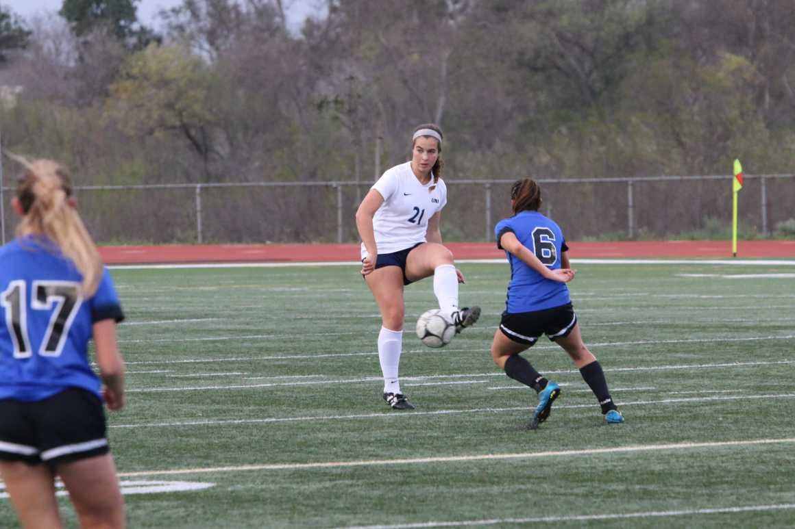 Girls Soccer makes quarter-finals after defeating Pacifica 4-1