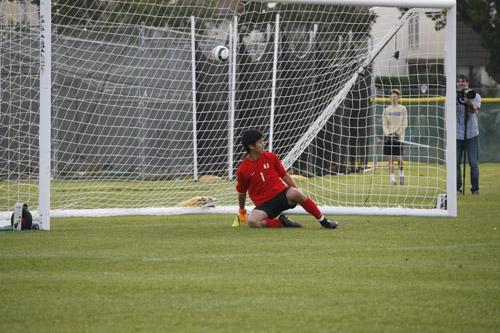 Boys Soccer suffers setback in draw against CdM