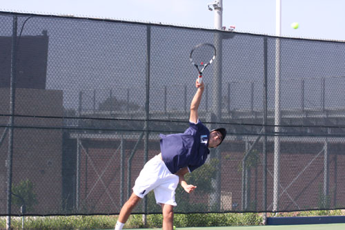 Boys Tennis extends historic league winning streak in thrashing of Irvine