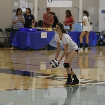 Girls Volleyball defeats Northwood 3-2
