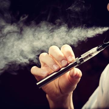 E-Cigarettes, Vaporizers, Puff-Bars, Juuls