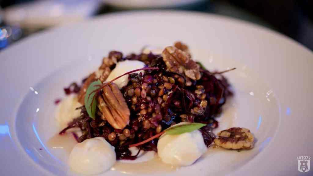 Hofman Alkmaar linzen rode ui kool salade