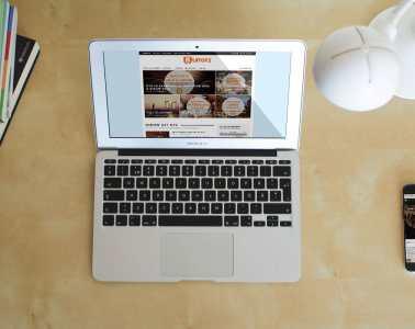 UIT072 op MacBook en iPhone