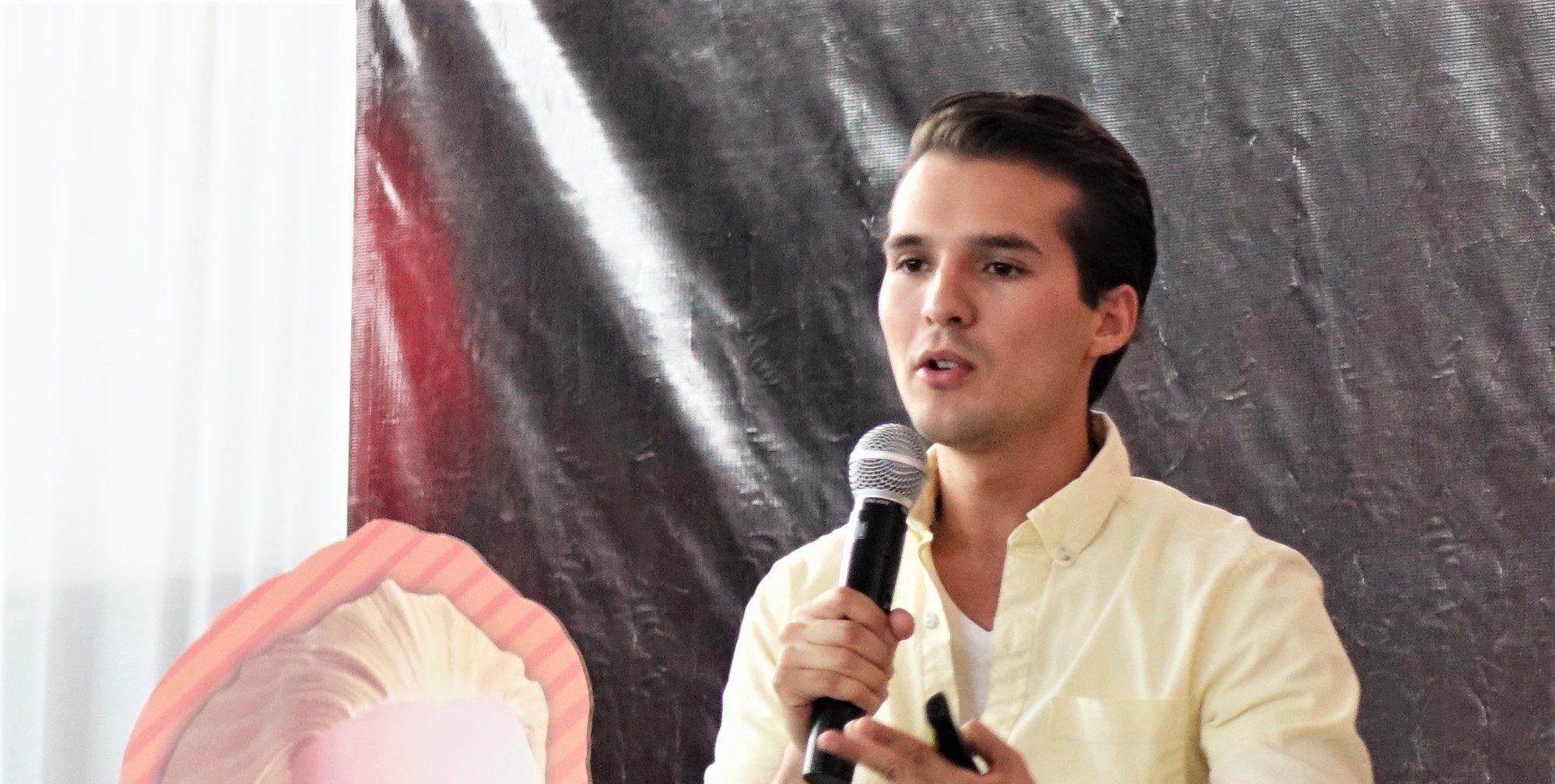 Memo Aponte en UIW Campus Bajío