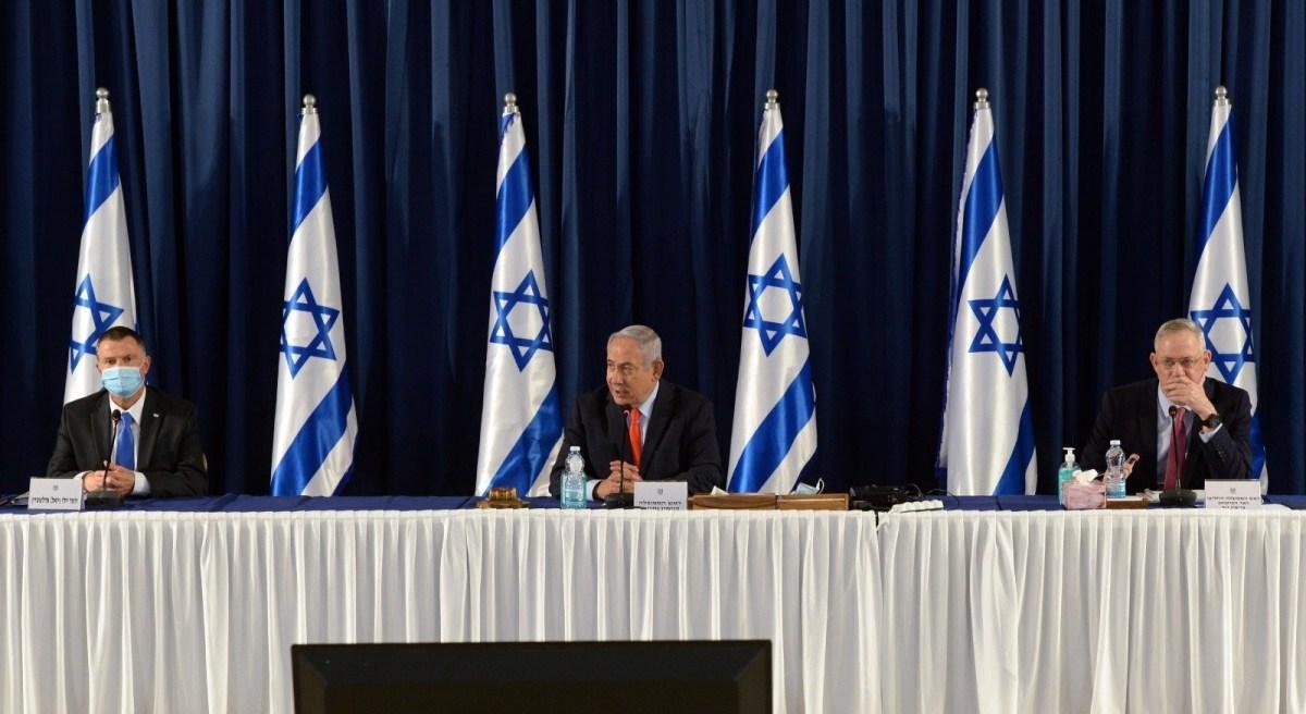 Netanjahu magas szintű megbeszélést tart Irán miatt; Hámenei szerint ha atomfegyvert akarnának szerezni, senki sem állhatná útjukat