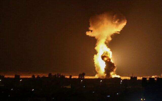 Az izraeli hadsereg légicsapásokat hajtott végre a Gázai övezetben megtorlásul a léggömb terrorért