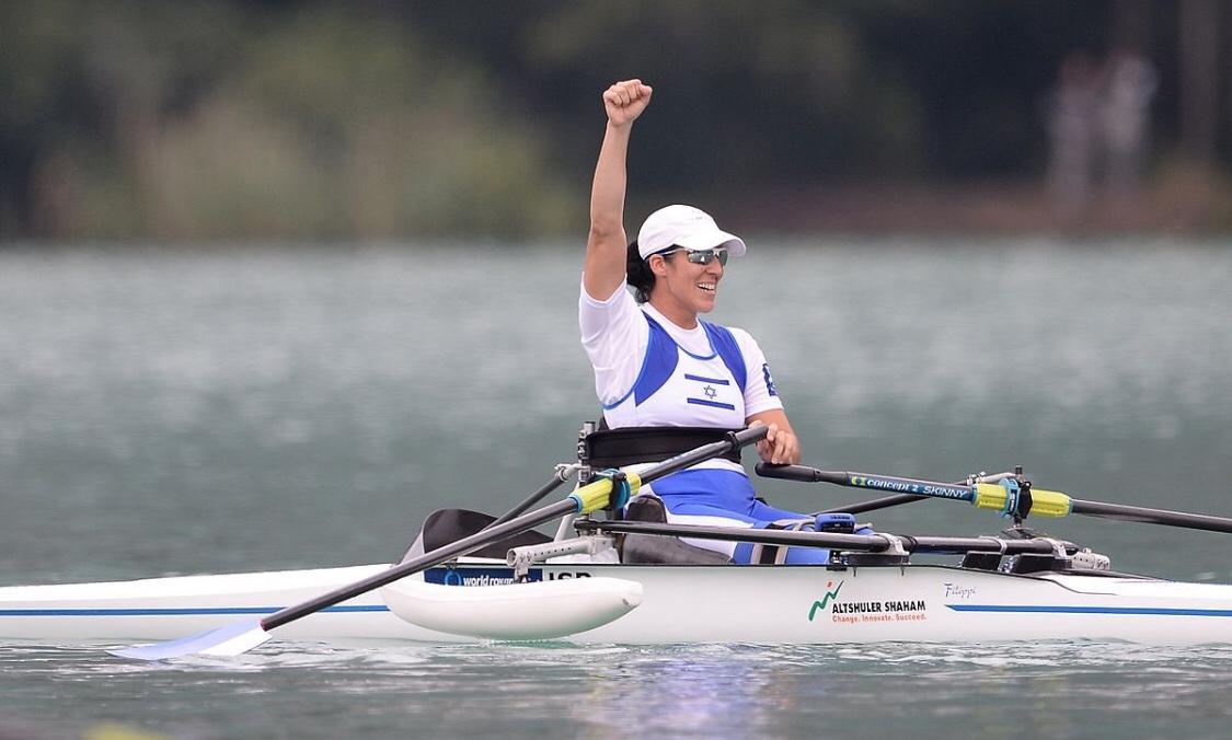 2000 méter egypárevező kategóriában Moran Samuel ezüstérmes a tokiói paralimpiai játékokon   Új Kelet online