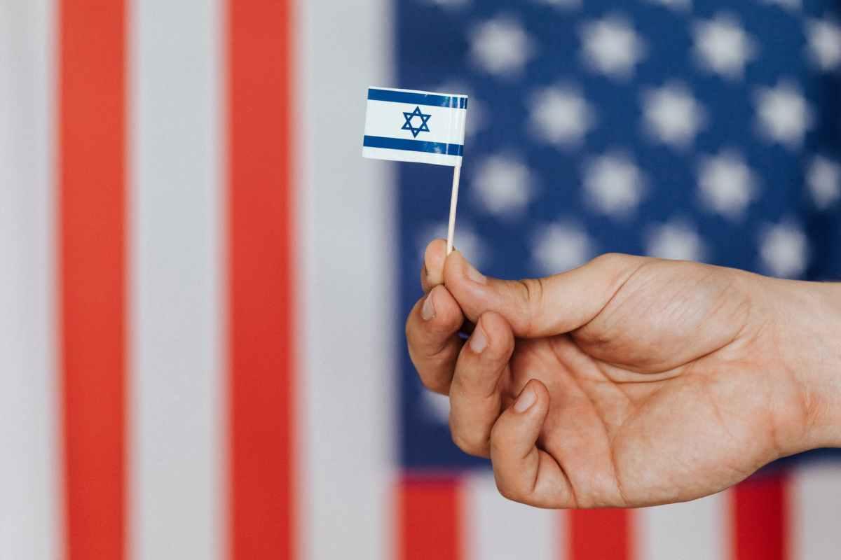 Háromoldalú találkozó Washingtonban Blinkennel, Lapiddal és az Emírségek külügyminiszterével | Új Kelet online