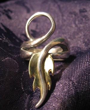 A gyűrű mint szimbólum a bibliai Eszter könyvében