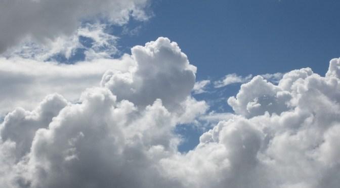 Fehér felhők mögött(dalszöveg)