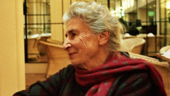 Rosemary Dobson: Konvex tükörben