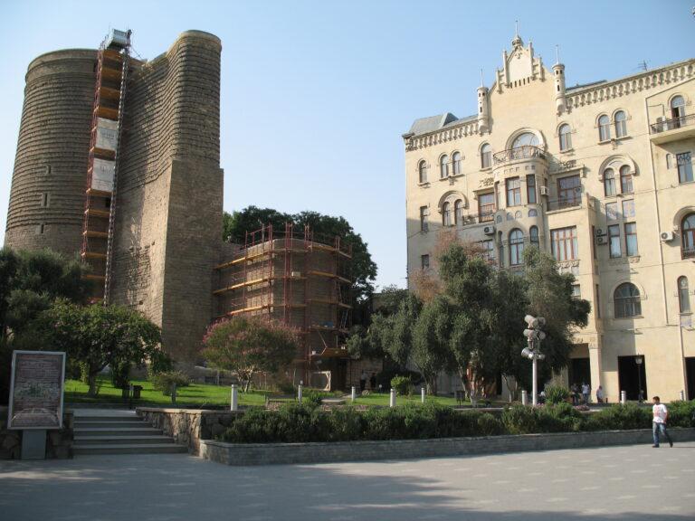 Szűztorony Baku.jpg