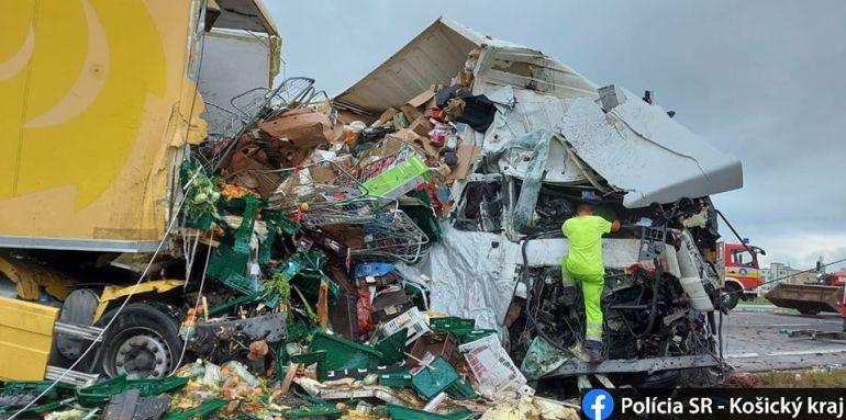 Két kamion karambolozott, az egyik sofőr meghalt