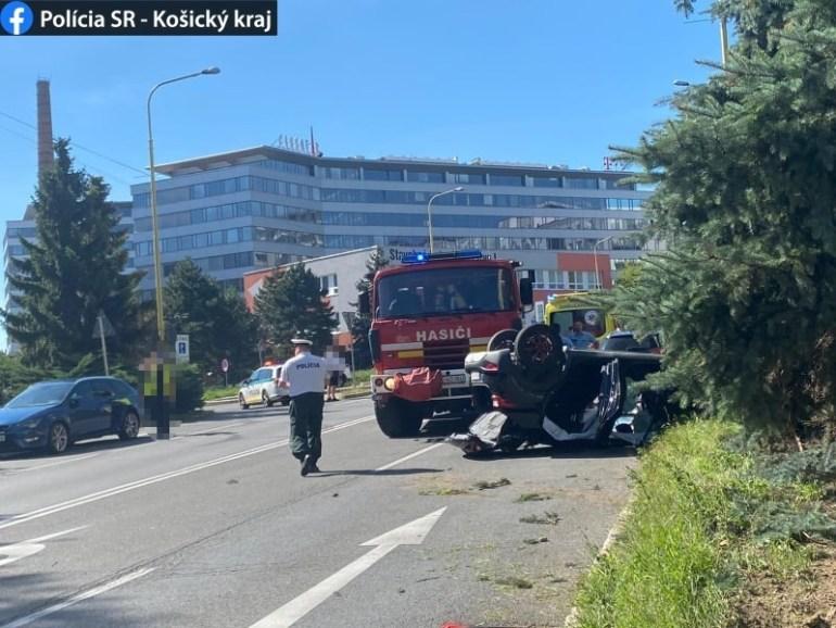 Tragikus baleset: felborult a személyautó, a sofőr meghalt