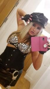 Femdom Mistress Kaz