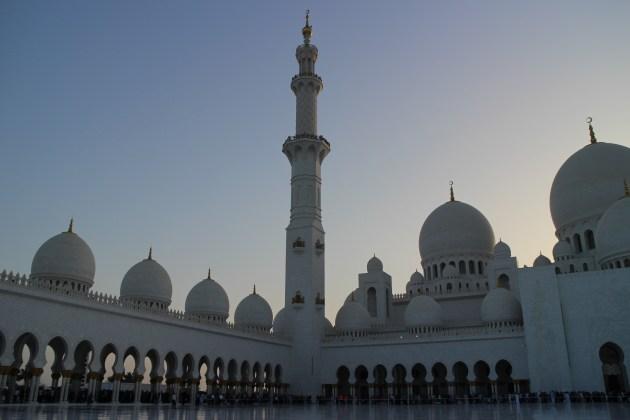 mosque_in_dusk