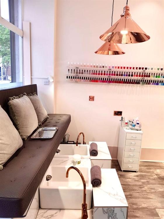Buy a hair. nail & beauty salon in central london