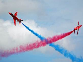 Red Arrows Synchro Cross