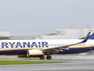 Ryanair 737 at Cardiff Airport (Aviation Media Agency)