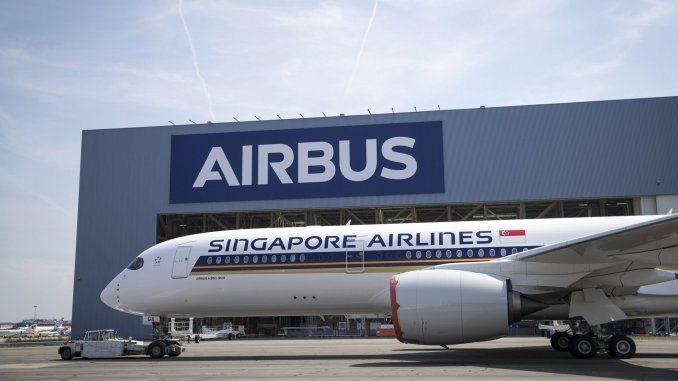 A350-XWB-Ultra-Long-Range-Singapore-Airlines-MSN220-rolls-out-of-paint-shop-011