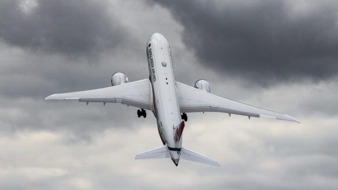 Boeing demonstrated the 787-8 with a near vertical take-off (Image: Aviation Media Co)
