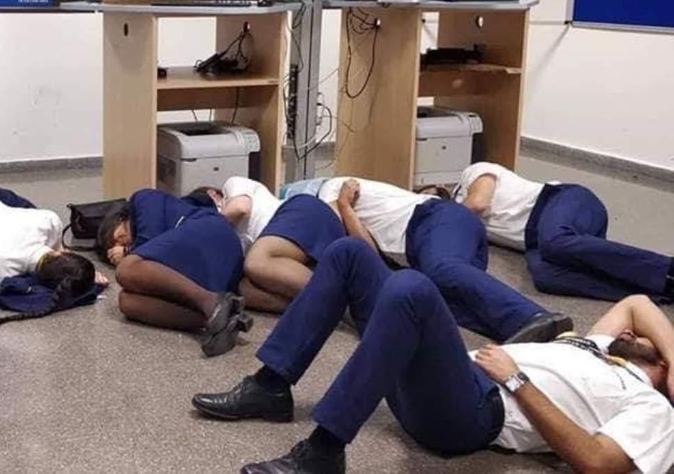 ryanair-crew-asleep-malaga-airport